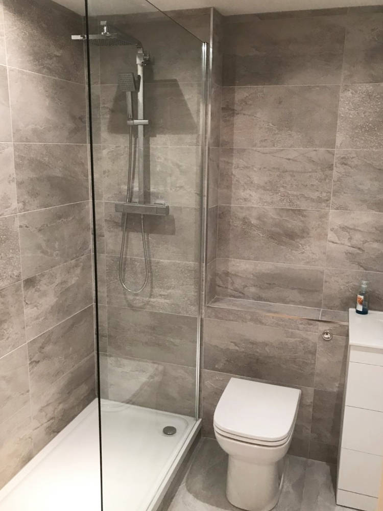 Bathroom-fitted-in-surrey-(4)